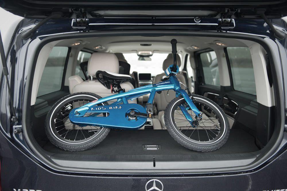 Mercedes-Benz V-Klasse (2014) mit Fahrrad