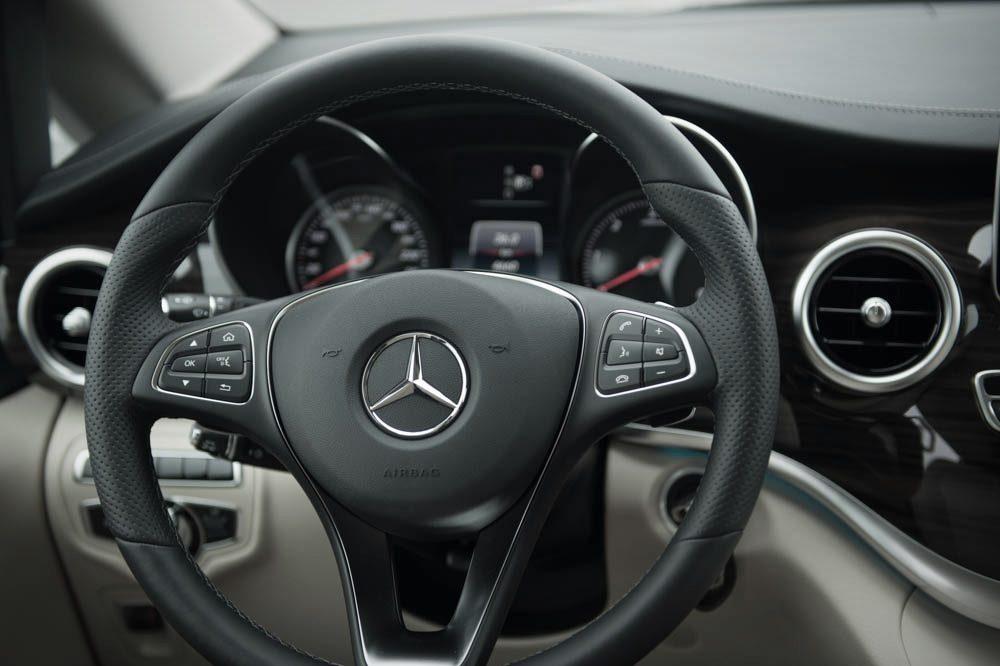 Mercedes-Benz V-Klasse (2014) Cockpit