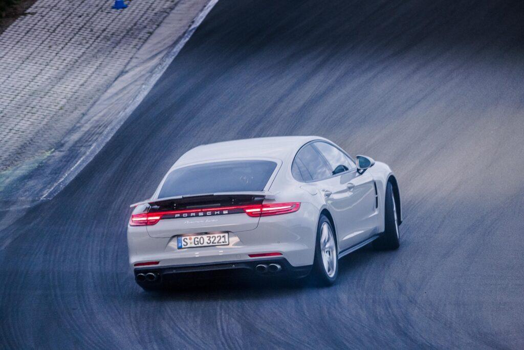Porsche Panamera im Drift