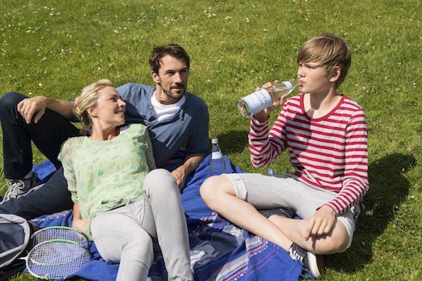 Kinder: Richtig trinken im Sommer
