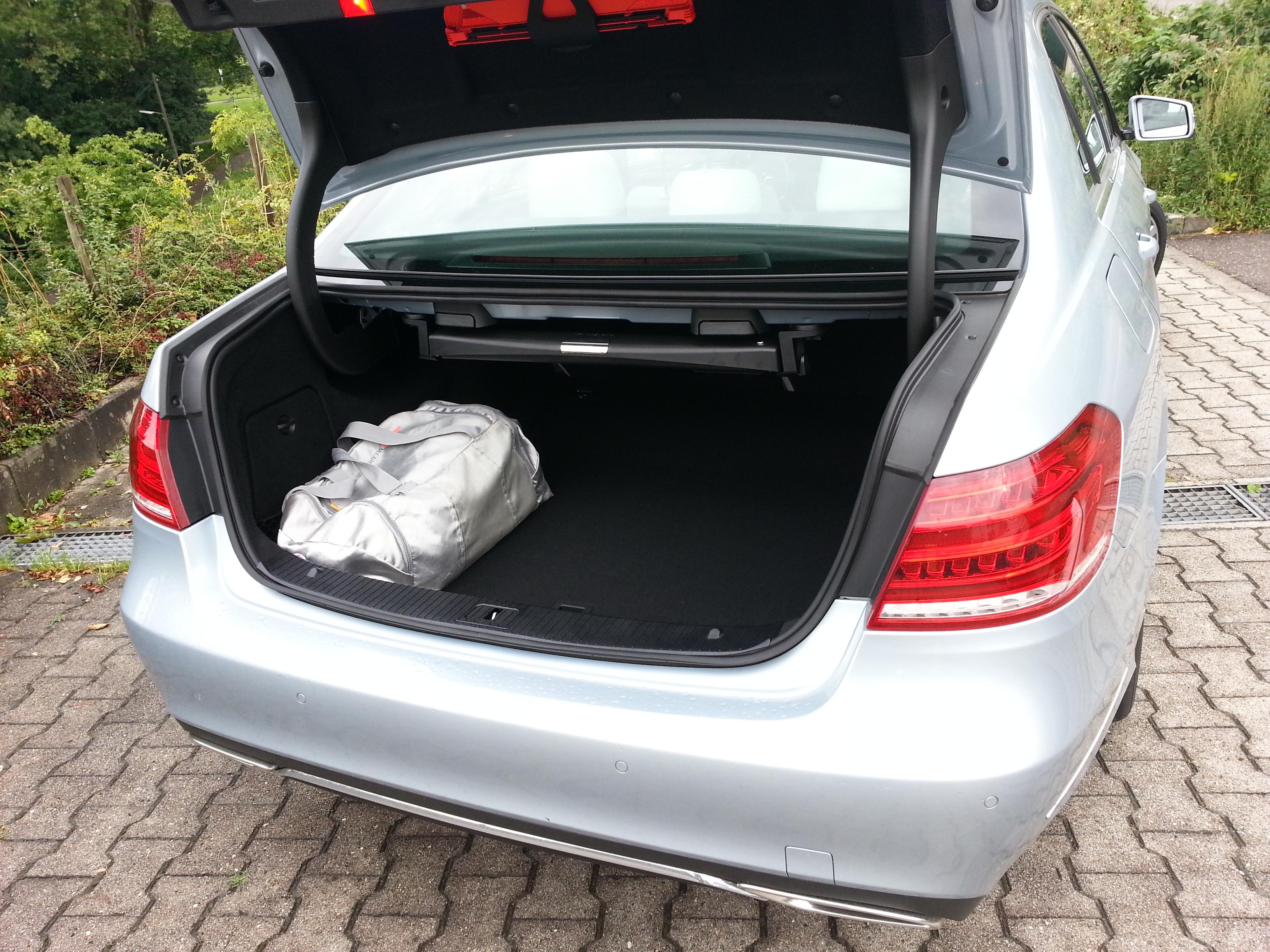 Mercedes-Benz E 300 BlueTec Hybrid Kofferraum