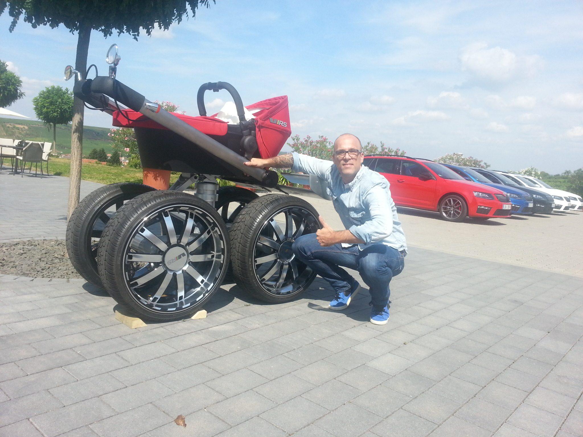 Škoda Octavia RS Kinderwagen