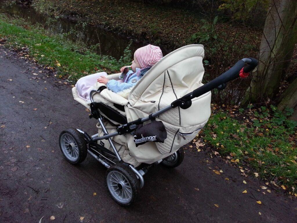 Kinderwagen Emmaljunga Mondial Duo Combi mit Kind