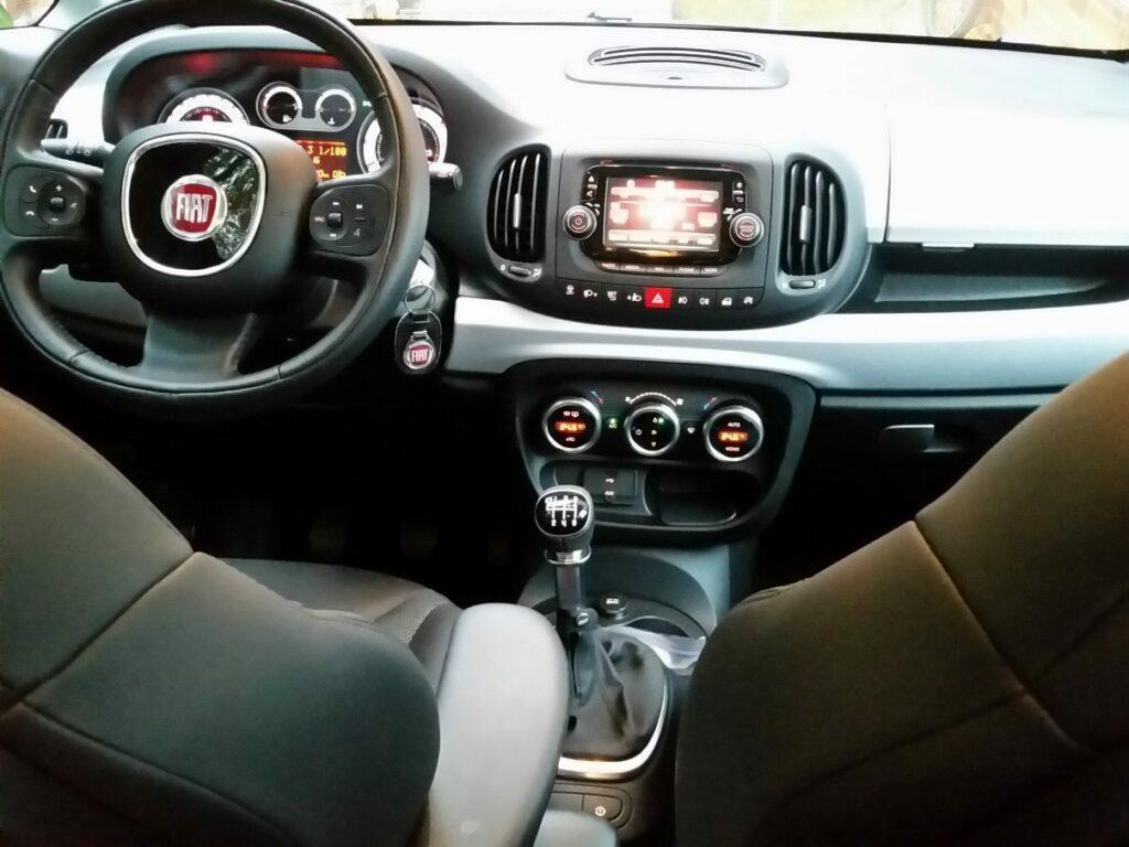 Fiat 500L Beats Edition (2014) Fahrersitz