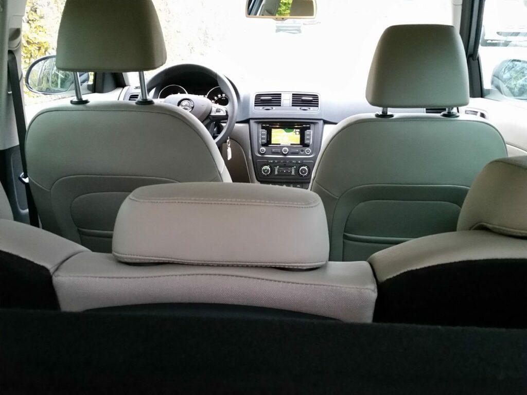 Škoda Yeti 4x4 Elegance (2014) Cockpit
