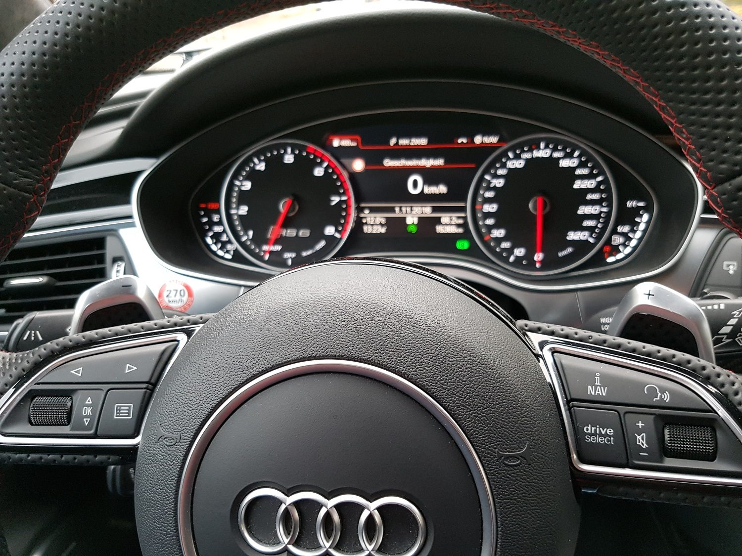 Audi RS 6 performance Armatur