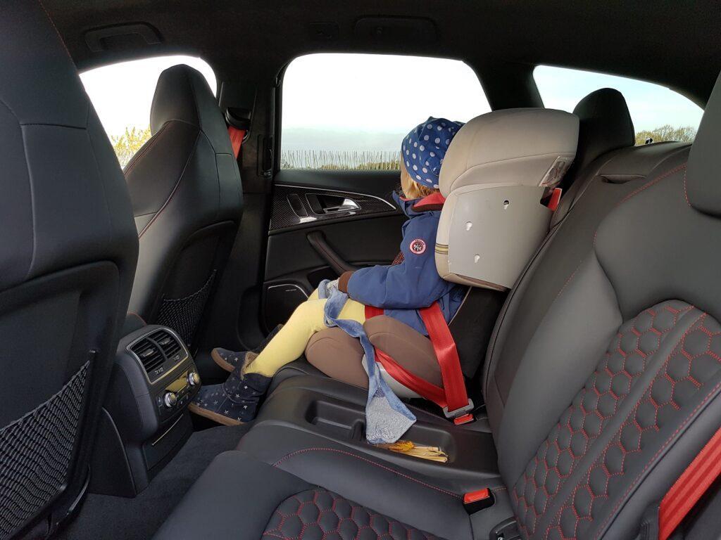 Audi RS 6 performance Kindersitz