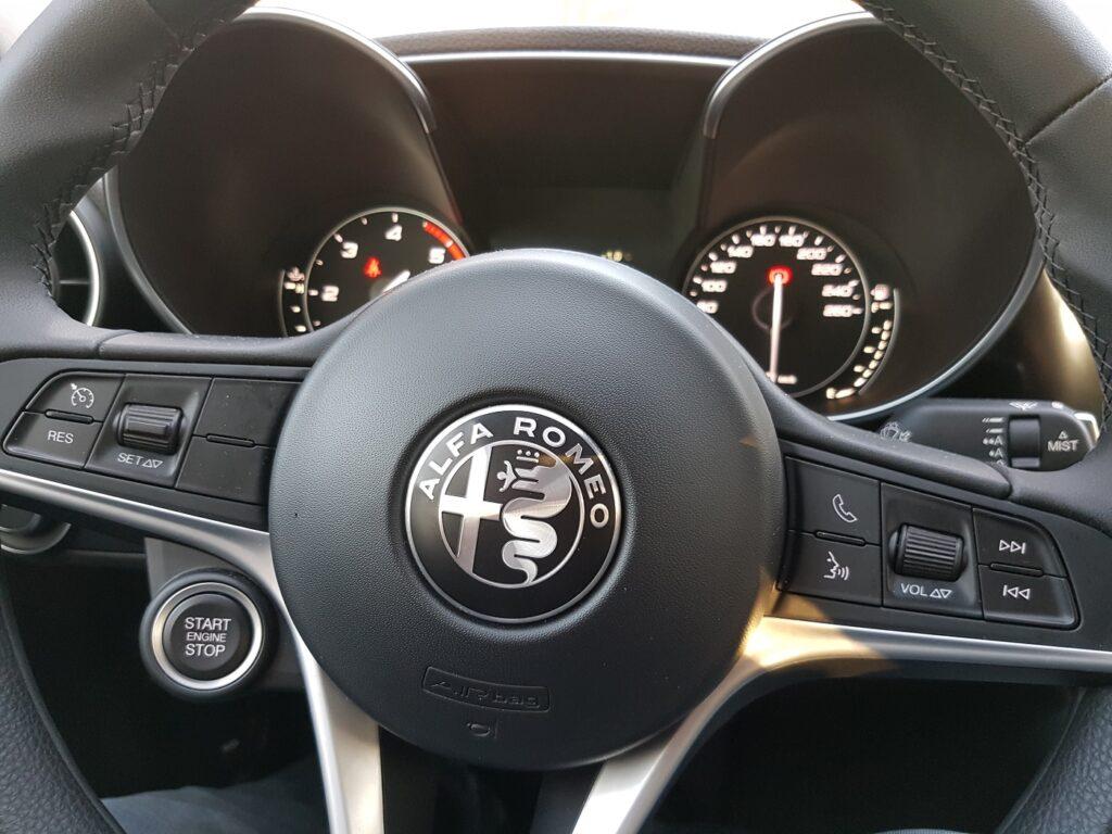 Alfa Romeo Giulia Lenkrad