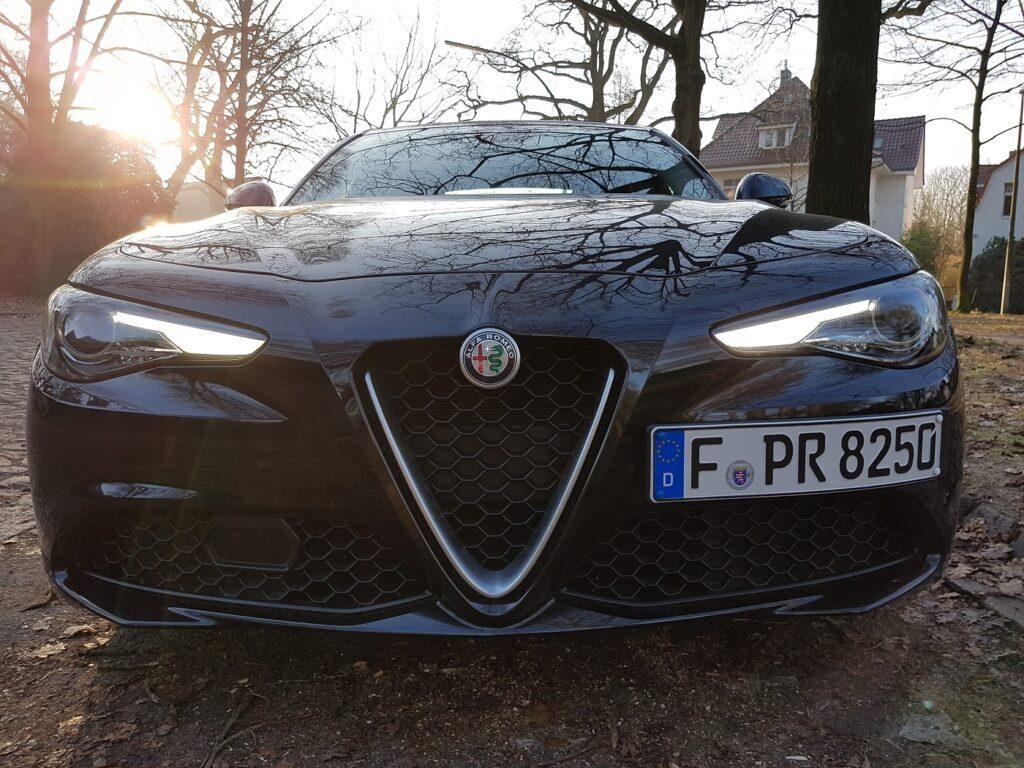 Alfa Romeo Guilia Front