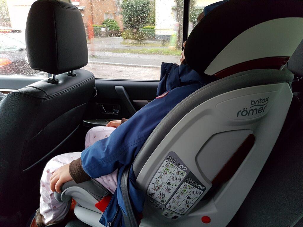 Mitsubishi Pajero Kindersitz