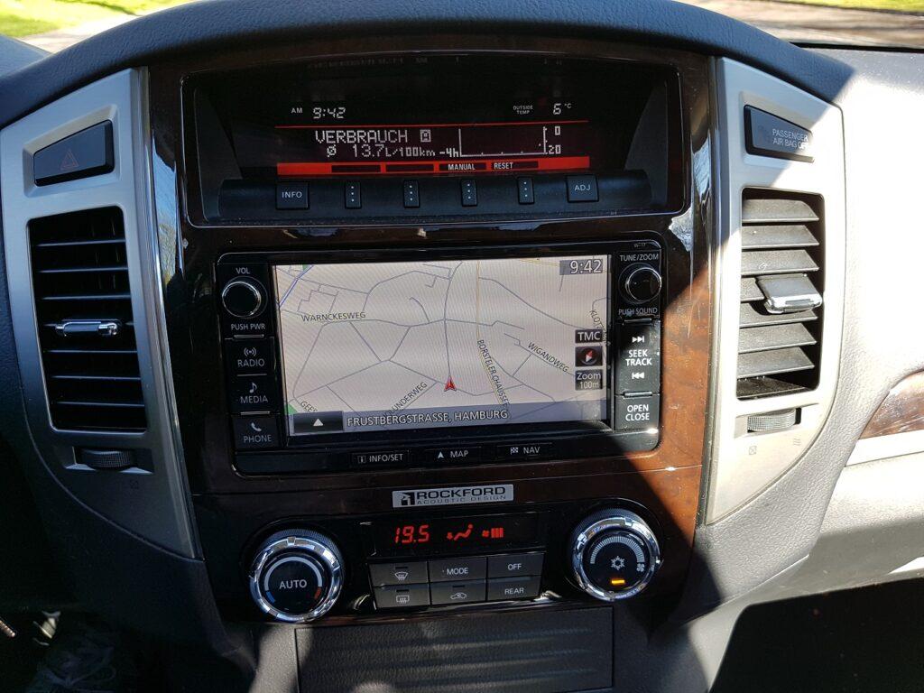 Mitsubishi Pajero Navigation