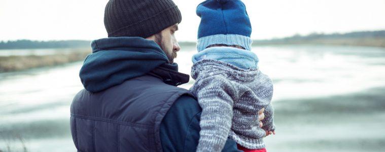 Vater mit seinem Sohn