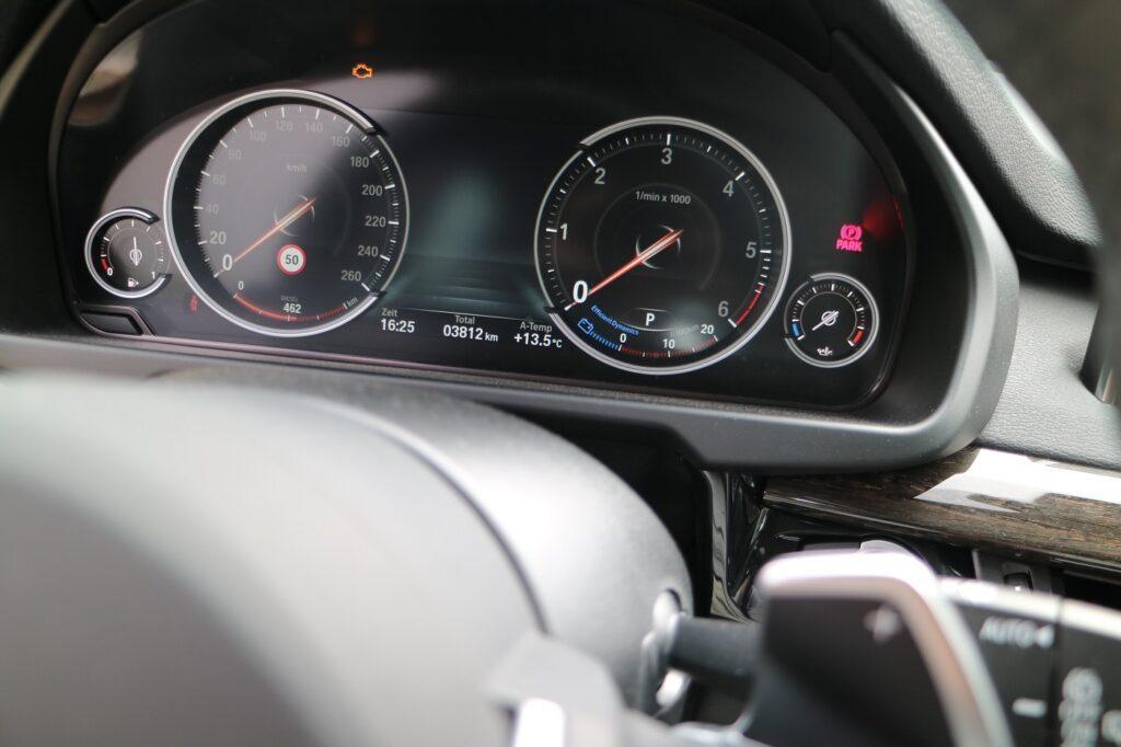 BMW X5 Familienauto Armatur