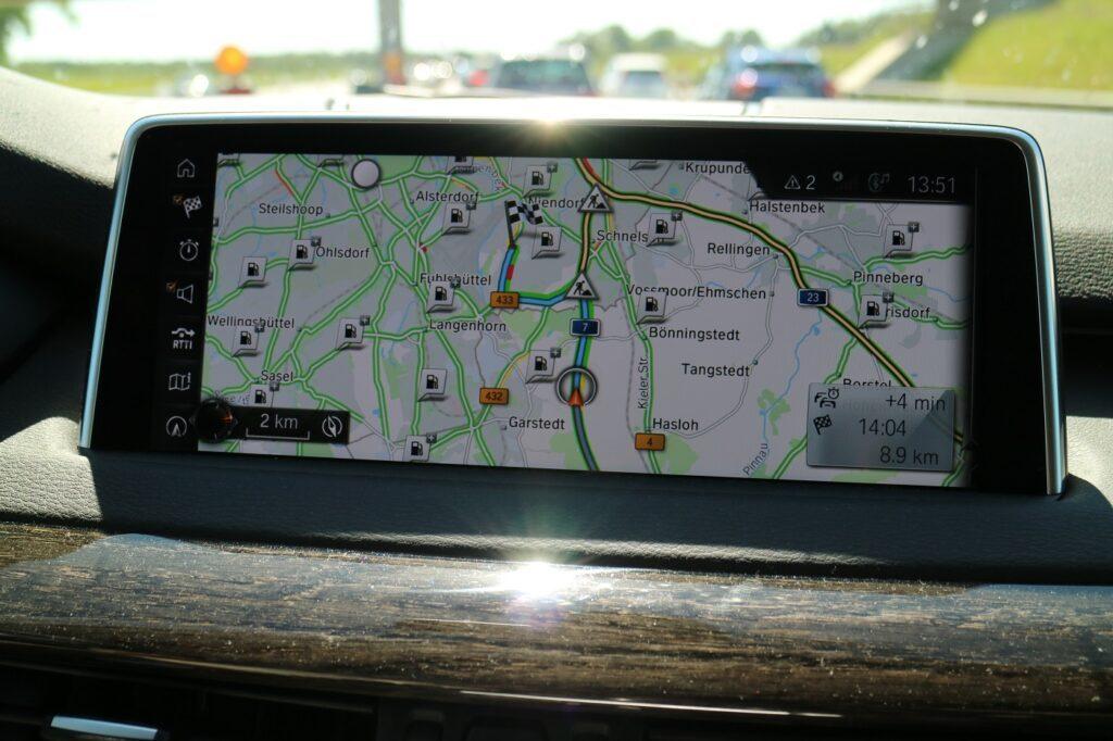 BMW X5 Familienauto Navigation