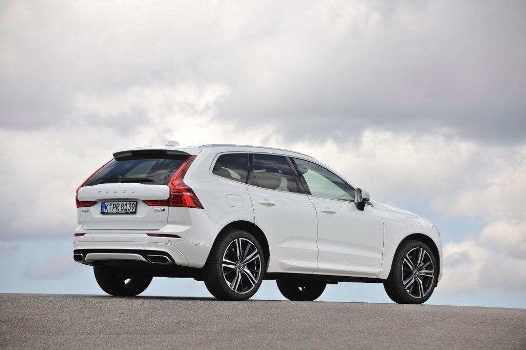 Volvo_XC60_2017_04