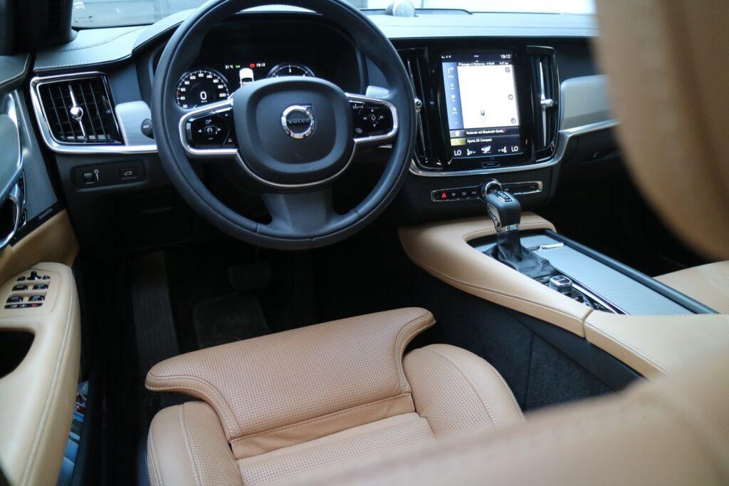 Volvo V90 Cross Country Fahrersitz