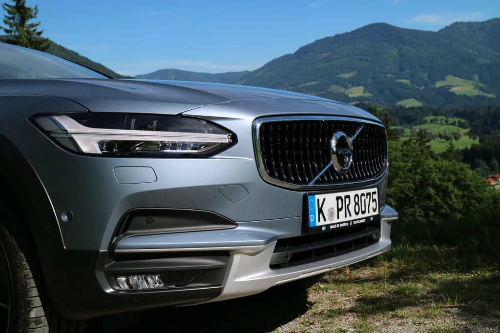 Volvo V90 Cross Country Front