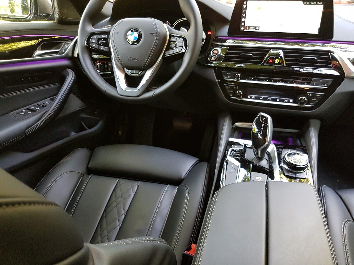 BMW 530i Touring Familienauto Cockpit