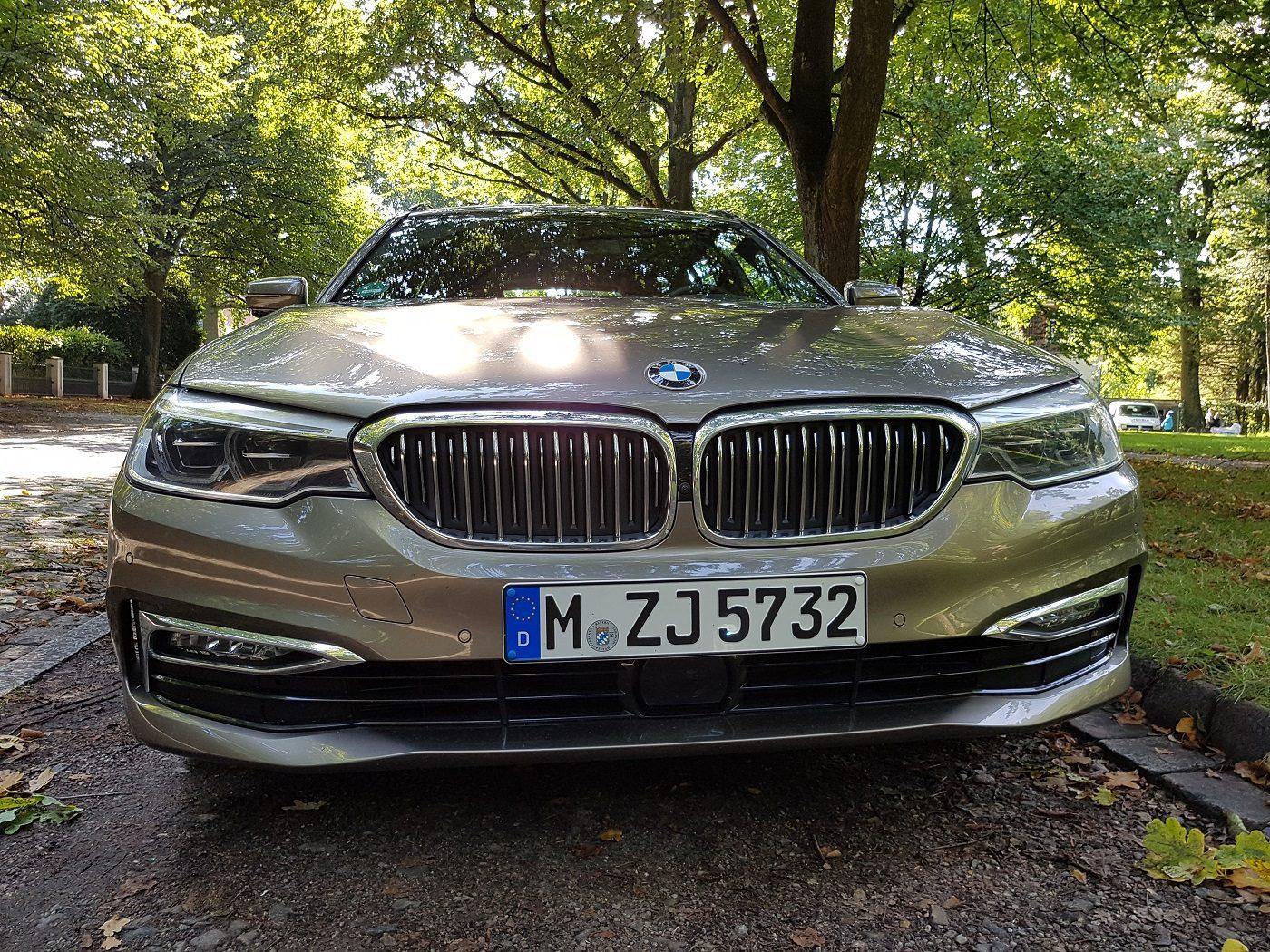 BMW 530i Touring Familienauto Front