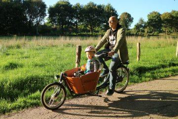 Babboe Mini-E Lastenrad fahrt