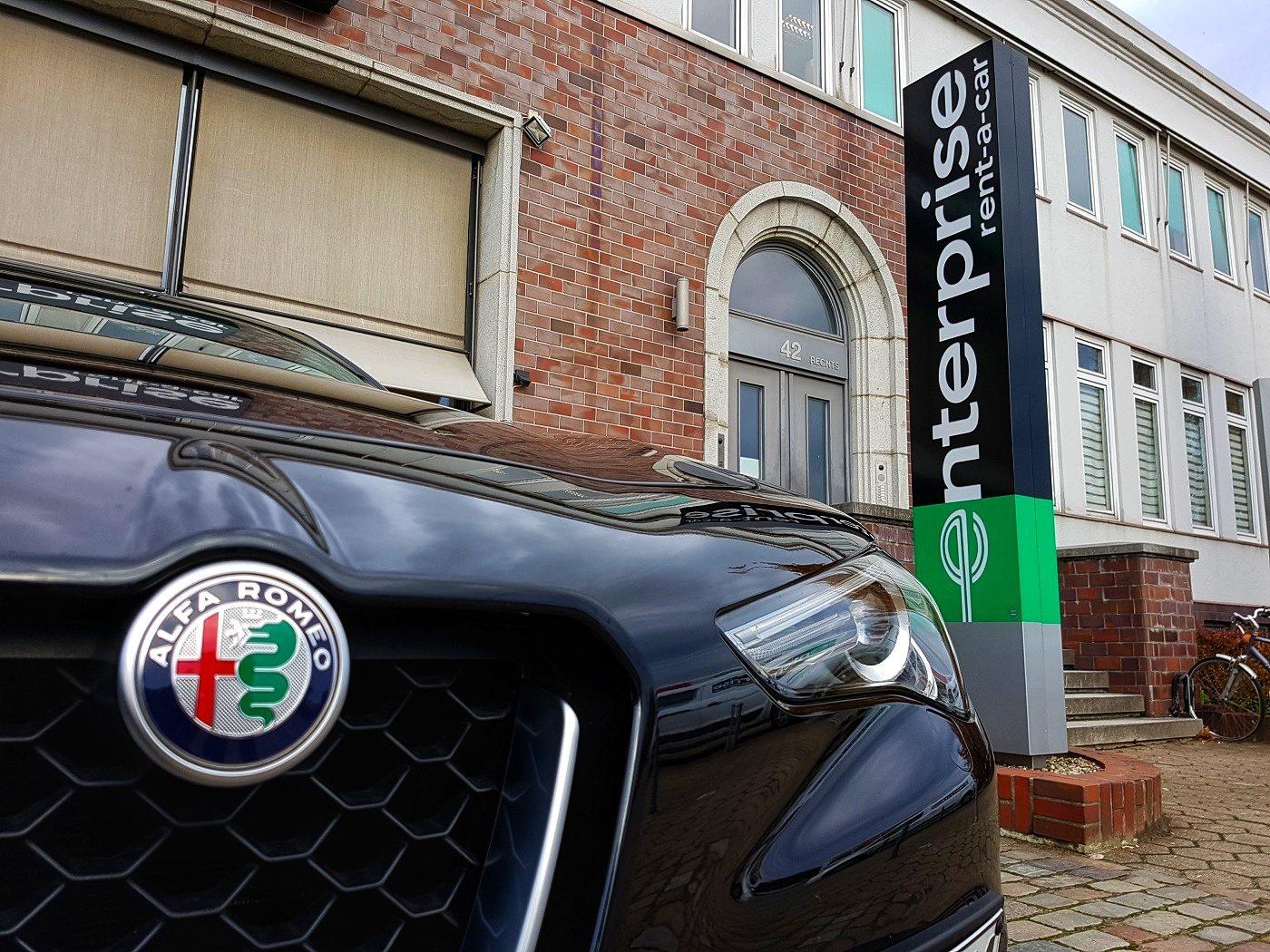 Enterprise Alfa Romeo Stelvio Mietwagen-01