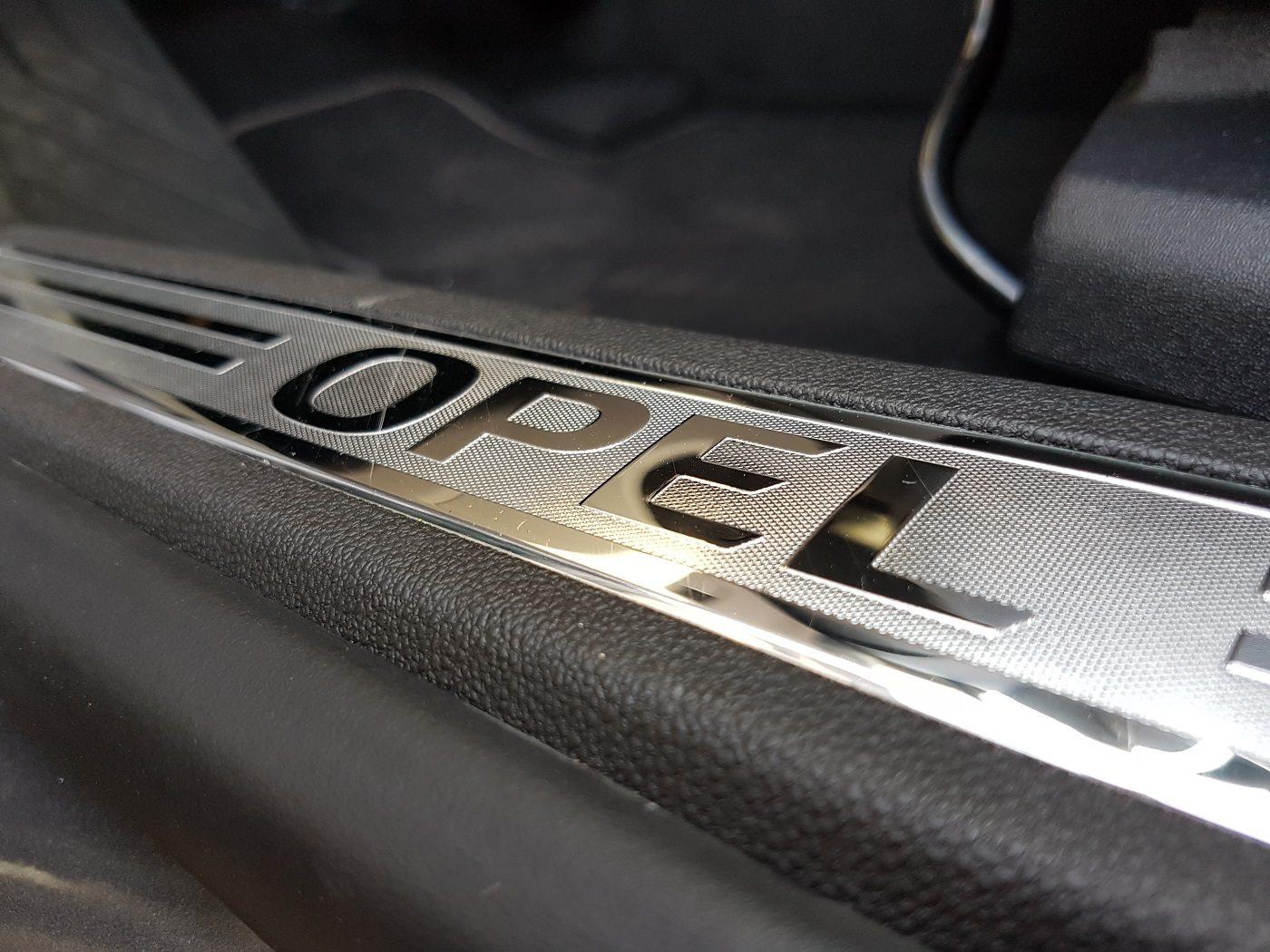 Opel Grandland X Einstieg