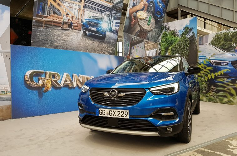 Opel Grandland X Front