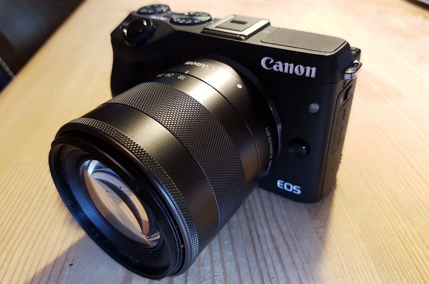 Canon EOS M3 Systemkamera Front