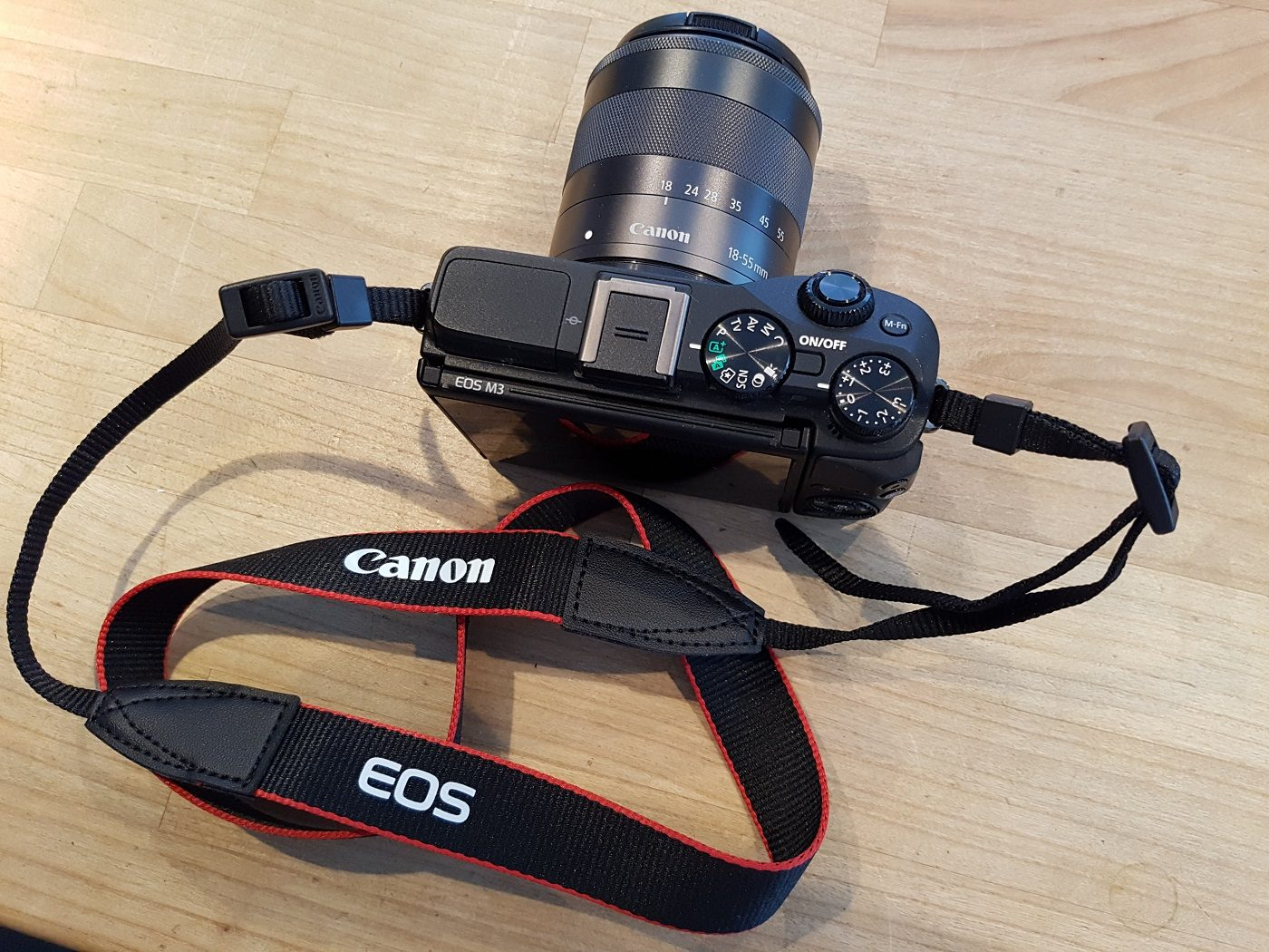 Canon EOS M3 Systemkamera Schultergurt