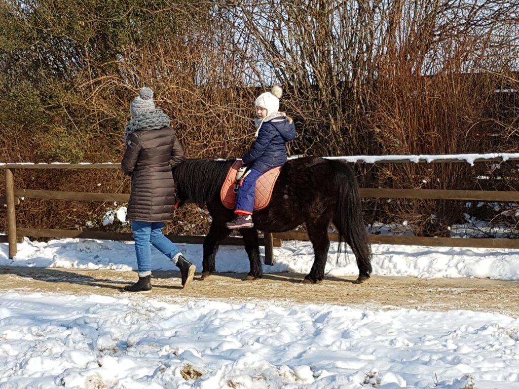 Karls Erlebnis-Dorf Ponyreiten