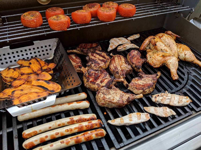 Weber Gasgrill Für Unterwegs : Gib gas perfektes fleisch mit dem weber gasgrill genesis ii