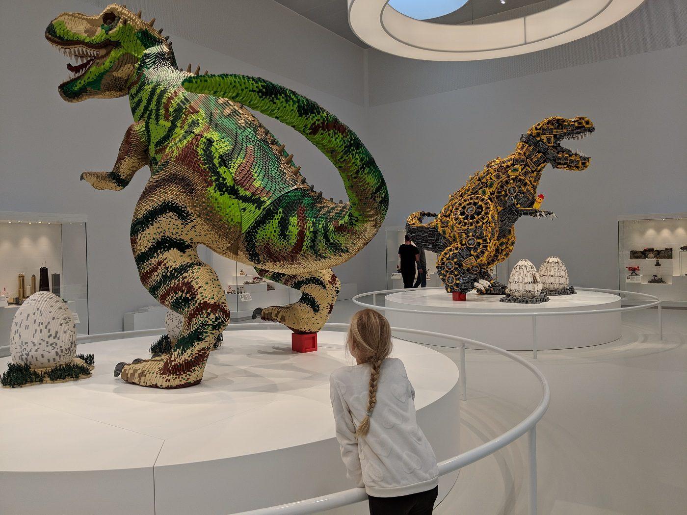 Lego House Dino