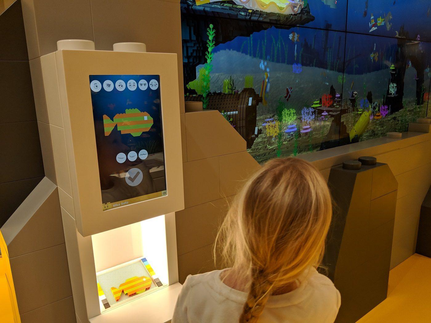 Lego House Fisch