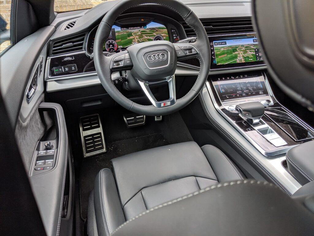Audi Q8 Fahrersitz