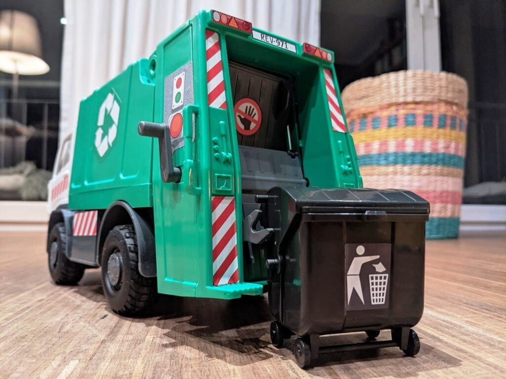 Revell Junior Kit RC Action Garbage Truck