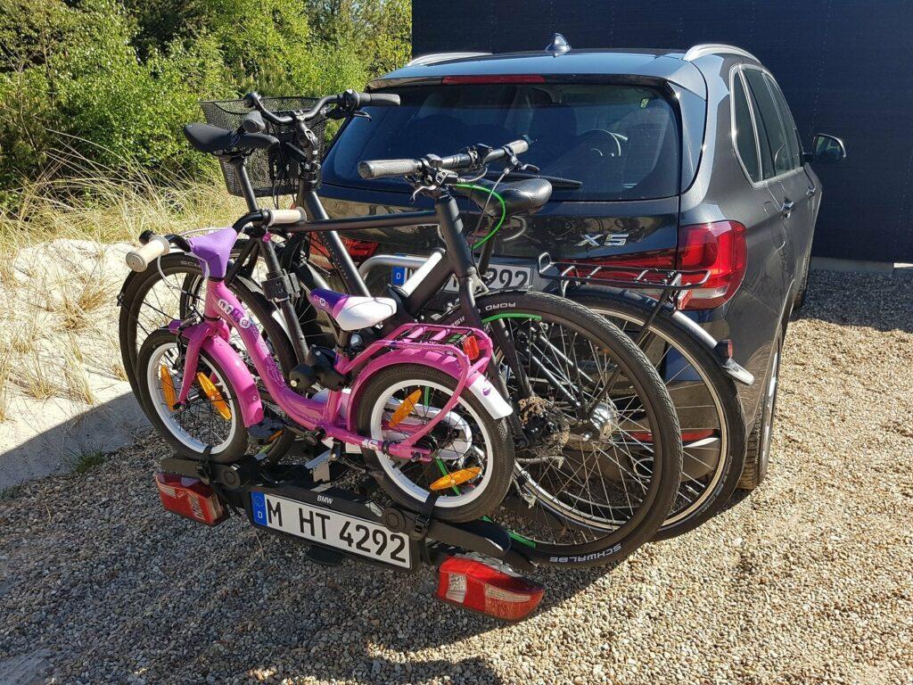 BMW X5 Familienauto Fahrradtraeger