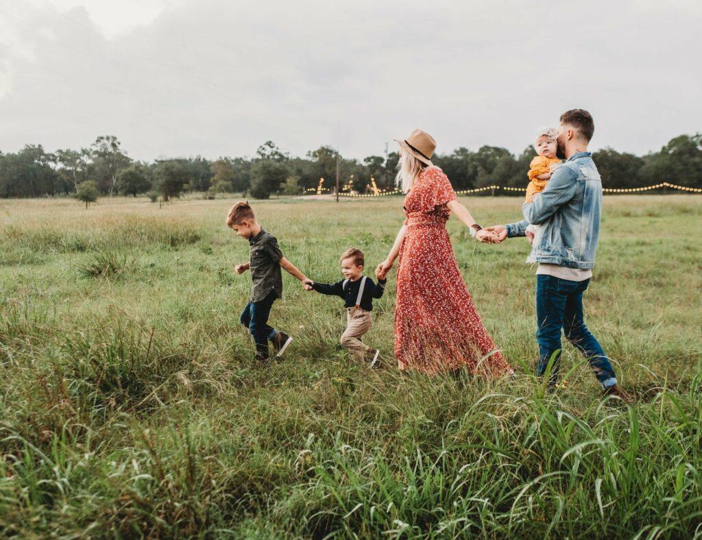 Eine Patchworkfamilie benötigt besondere Arbeit durch die Eltern
