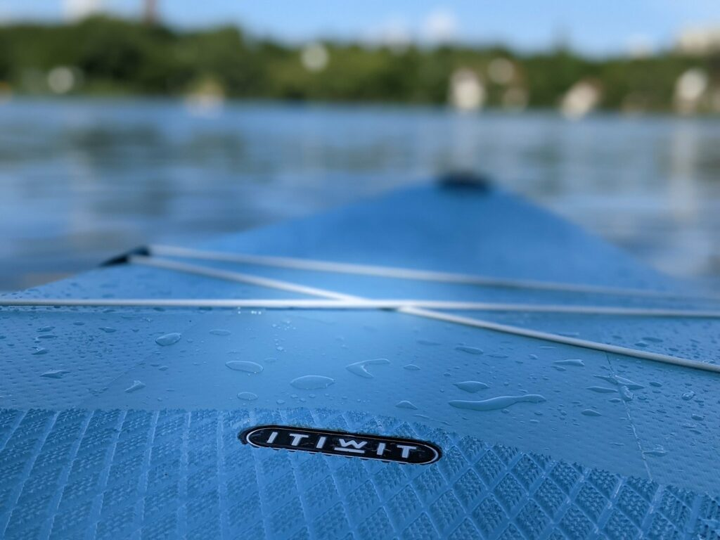 Stand Up Paddling Board in Blau