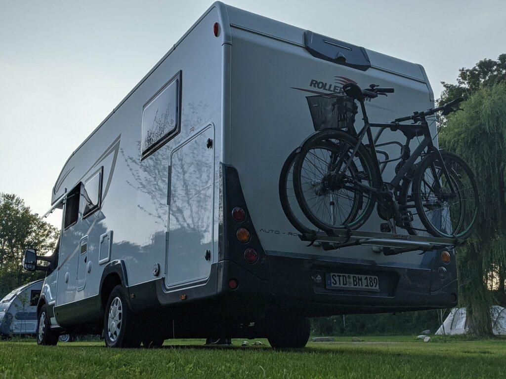 Wohnmobil mit Fahrradträger von PaulCamper