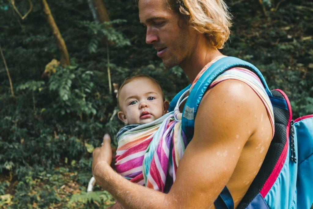 10 Dinge, die ein frischgebackener Papa tun sollte: sich Zeit für das Baby nehmen