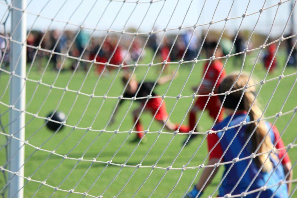 Ein Sport im Team fördert die soziale Kompetenz von Kindern