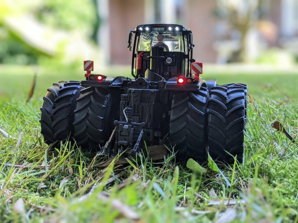 Traktor Claas Xerion 5000 Special Edition Heckansicht