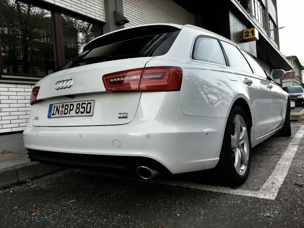 Audi A6 Avant 3.0 TDI quattro (2013) Heck