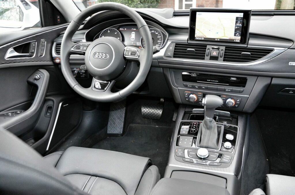 Audi A6 Avant 3.0 TDI quattro (2013) Cockpit