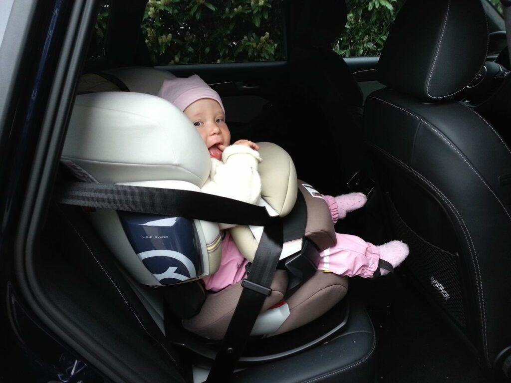 Audi SQ5 (2013) Kindersitz