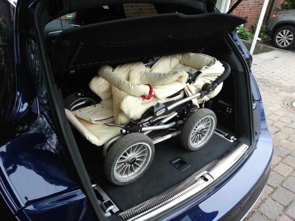 Kinderwagen Emmaljunga Mondial Duo Combi im Kofferraum