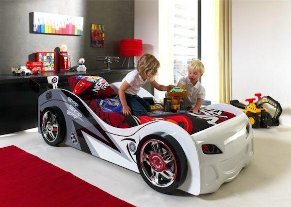 Kinderbett auto bmw  Rennbolide als Kinderbett - DADDYlicious