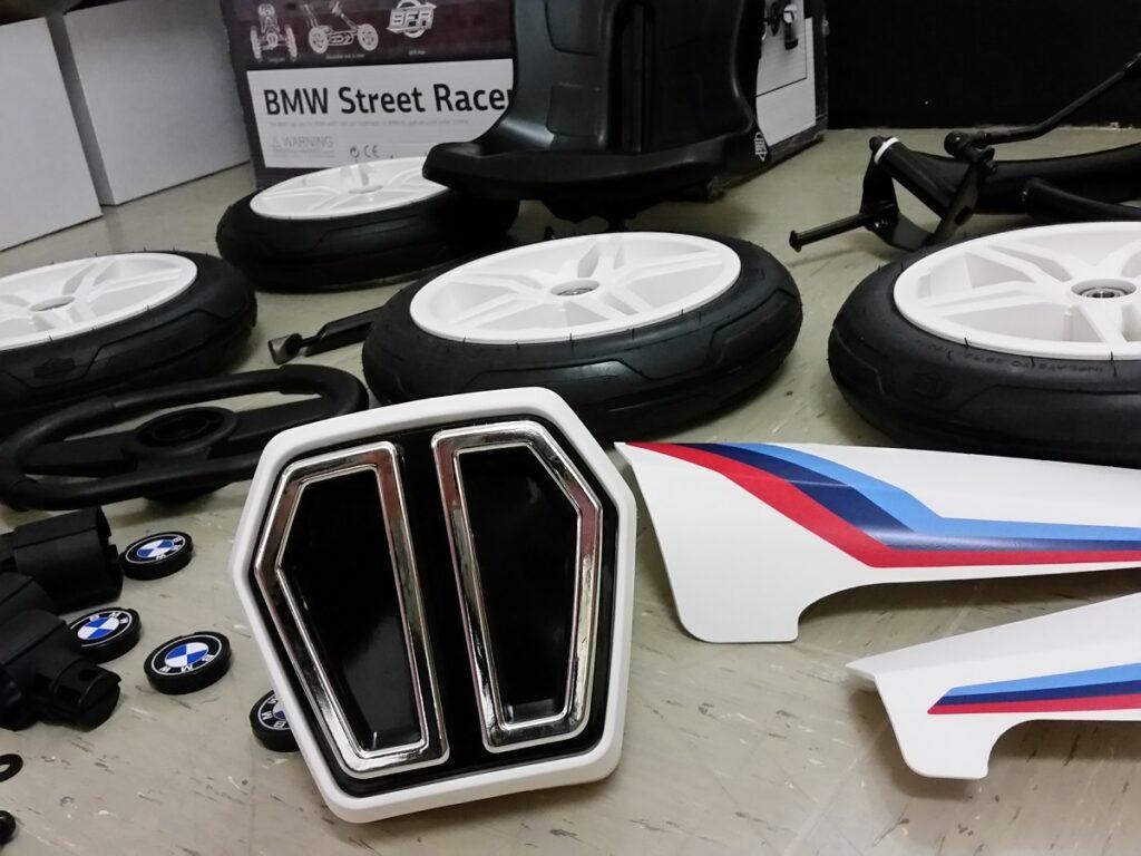 Berg Gokart BMW Street Racer in der Garage
