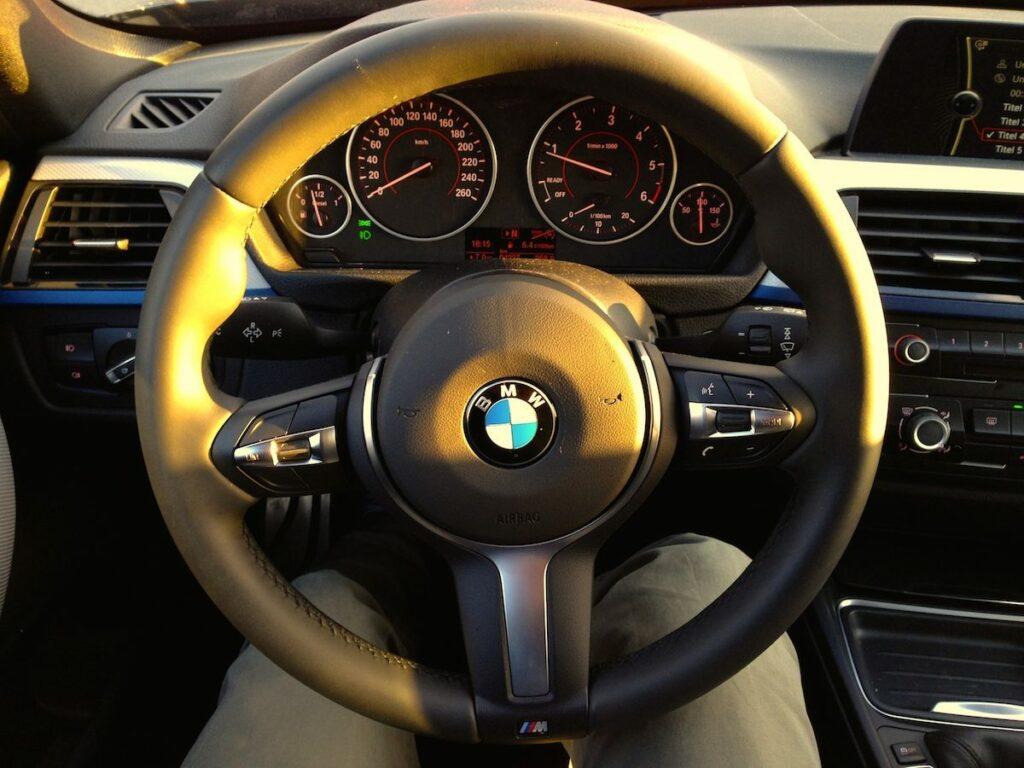 BMW 320d Touring (2014) Lenkrad