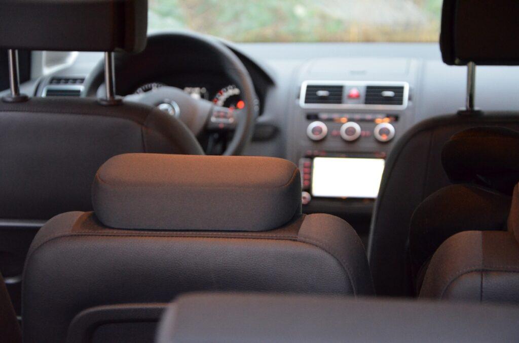 VW Touran TDI (2015) Innenraum